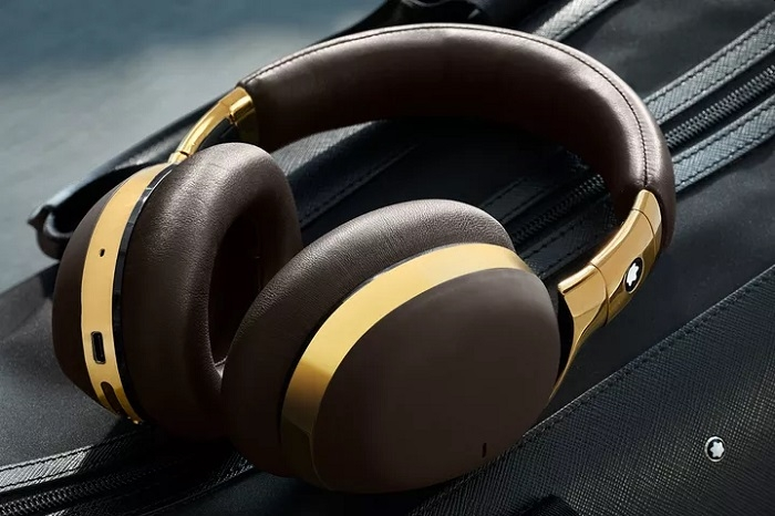 万宝龙推出头戴式无线耳机和二代智能手表