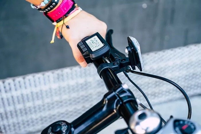 电动滑板车制造商推出首款城市电动自行车