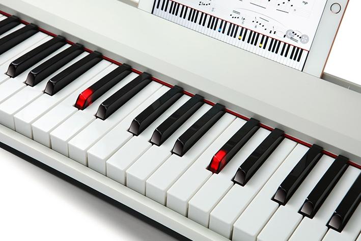 TheONE智能电子琴发布:App连接学习弹奏 定价999元