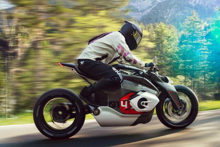 2.9秒破百!宝马电动摩托车曝光