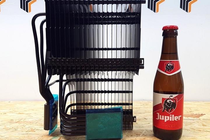 全球最大CPU/GPU散热器开卖:1388元 6斤重