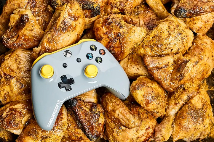 "Xbox新限量手柄:""吃鸡""防油污 全球仅200个"
