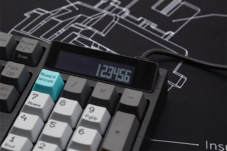 自带计算器机械键盘 限量96台