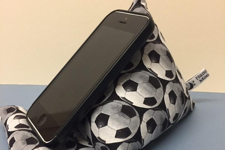趣周边:可爱又实用的布艺手机支架
