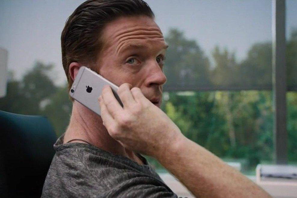 为什么电影里的反派都不用iPhone?