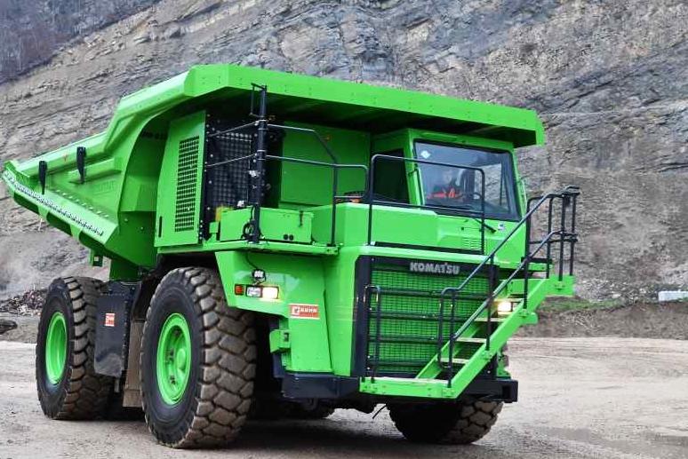 世界最大电动汽车重达45吨 官方称无需充电