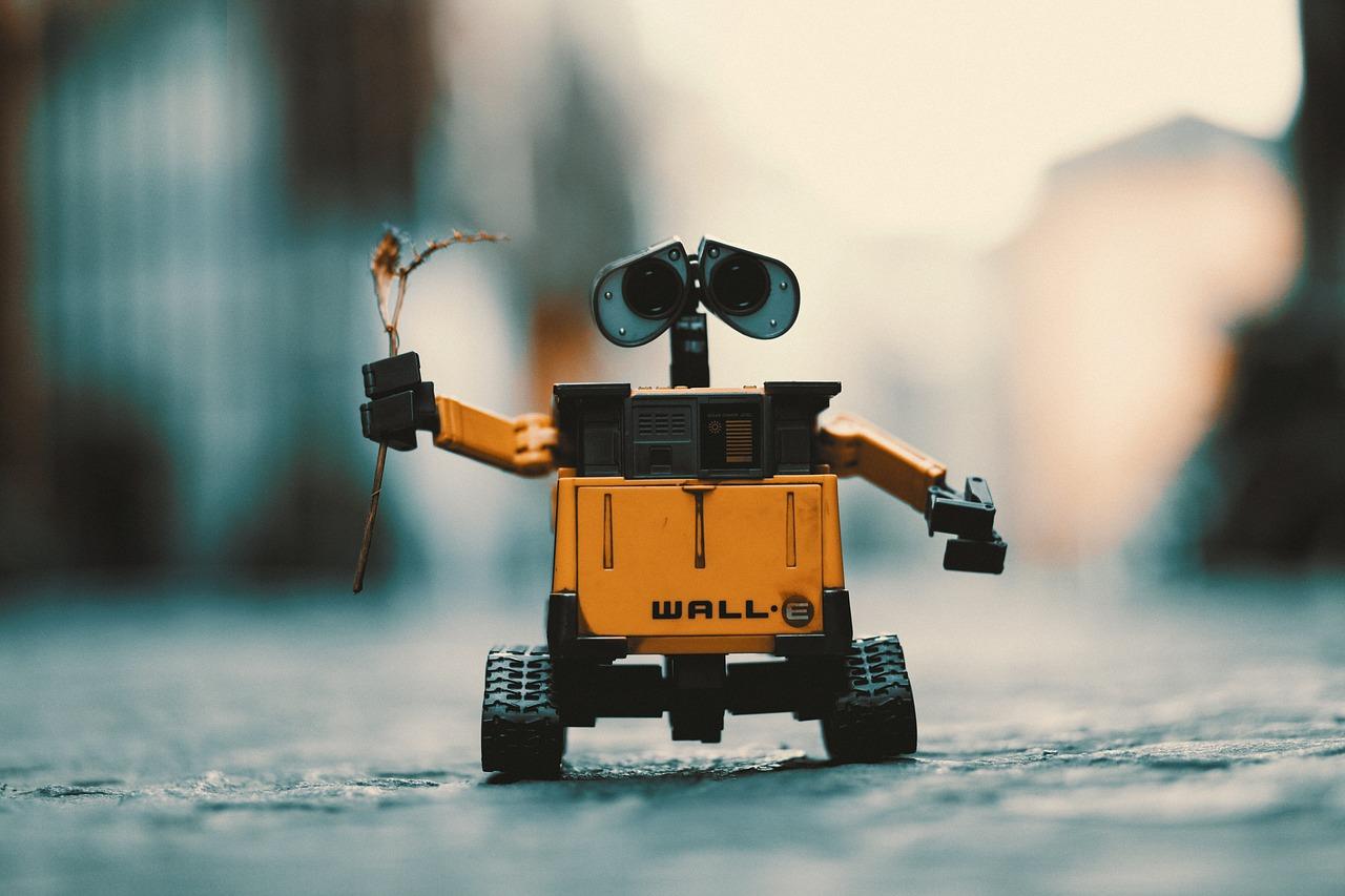 """中看不中用?机器人酒店一半机器人""""下岗""""了"""
