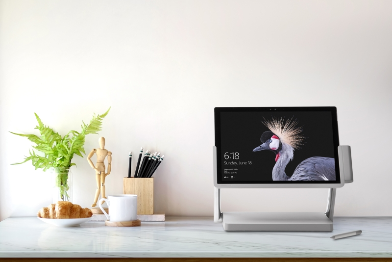这个底座一秒将Surface Pro升级成Studio