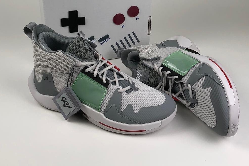 GameBoy主题篮球鞋 配色还原包装盒情怀满满