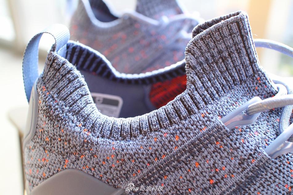 鞋面立体成型无缝高弹针织工艺,整只鞋面只有一条接缝;鱼骨系统支撑