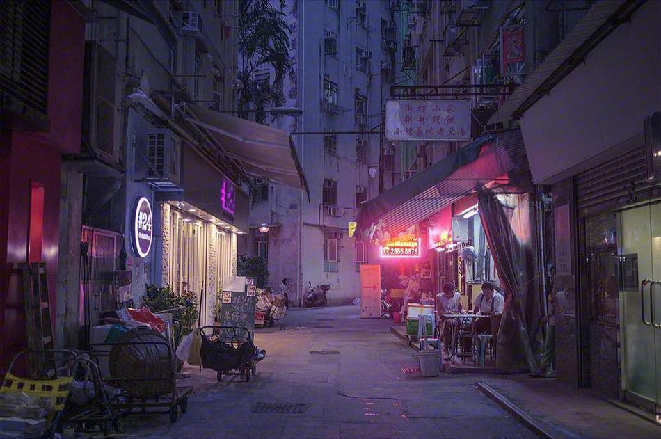 画面 打造中国城市夜晚街头广告霓虹图片