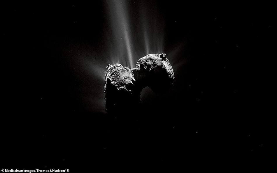 罗塞塔号探测器揭示67P彗星迷人细