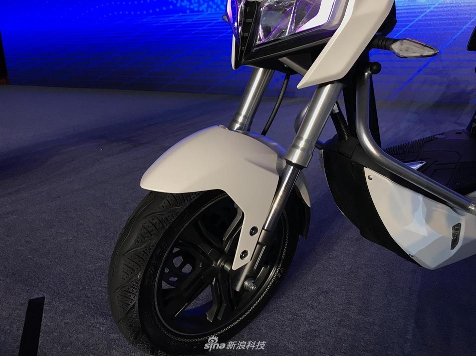 车黑科技加持 雅迪智能电动车Z3s图赏