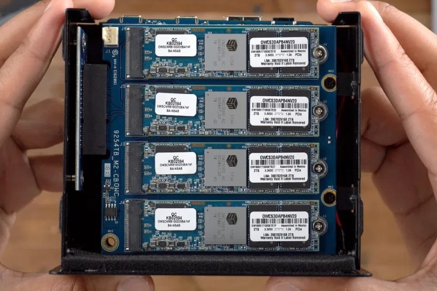M2盤位不夠插?神器來了:一口氣多塞4塊SSD