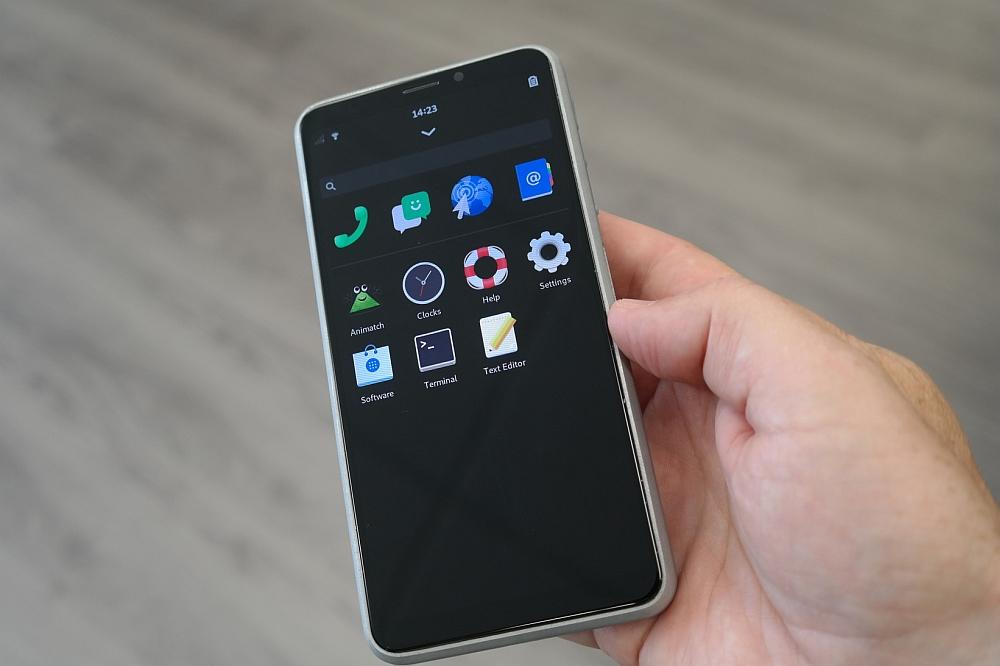 新鲜出炉的Linux手机来了 售价4900你买吗?