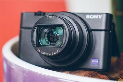 小机身大变焦 索尼全新黑卡RX100 VI上手评测