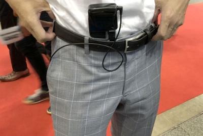 日本厂商推出奇葩吹风道具:可塞进裤子凉爽胯部