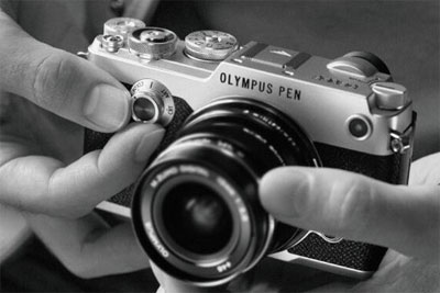 夏日轻装上阵去游玩 这些机身小巧的相机来助你