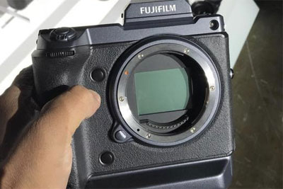 富士一亿像素中画幅 GFX 100S工程机曝光