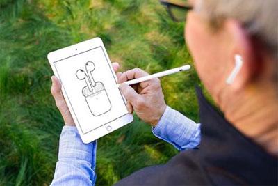 熊孩子偷玩父亲的iPad:遭停用48年