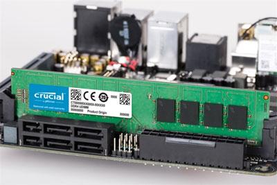 美光英睿达推原生DDR4-3200高频内存:没有散热马甲