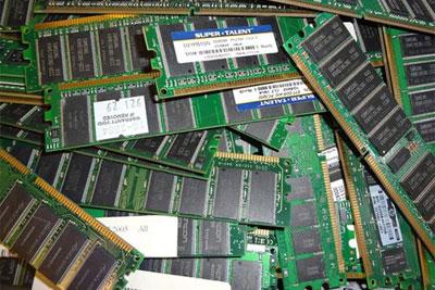 DRAM内存年底重新涨价 NAND?#38142;?#24050;跌破成本
