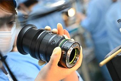 探秘尼康Z 24-70mm f/2.8 S镜头装配生产线