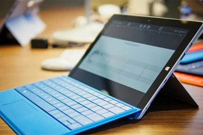 Surface用户反馈续航问题 关机7分电量从100%降至75%_网赚小游戏