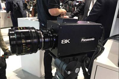 上海市创新创业项目_松下展示广播级8K摄影机AK-SHB800
