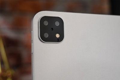 """2019款新iPad Pro机模偷跑:后置""""浴霸""""三摄"""