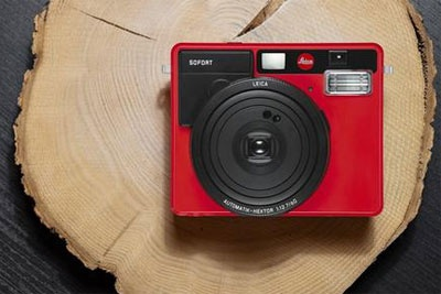 徕卡SOFORT一次成像相机推红色款