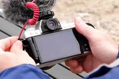 与时俱进 富士新一代无反相机X-T200升级解析