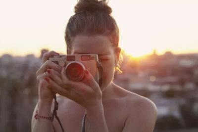 轻巧机身+高性能 最热门全画幅微单相机推荐