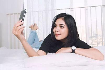 手机美人更美 优质自拍手机选购指南