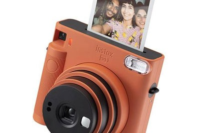 富士发布Instax Square SQ1 即时相片照相机也可简化自拍方式