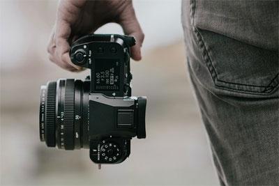 富士正式发布GFX100S和X-E4!还有三款新镜头!