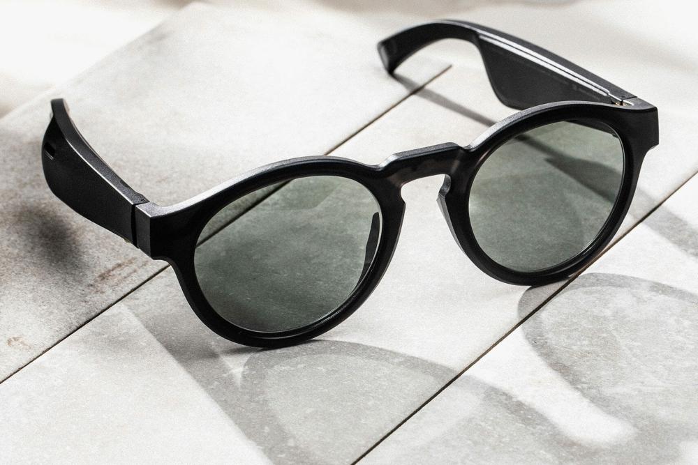 Bose推出了一款可以唱歌的太阳眼镜