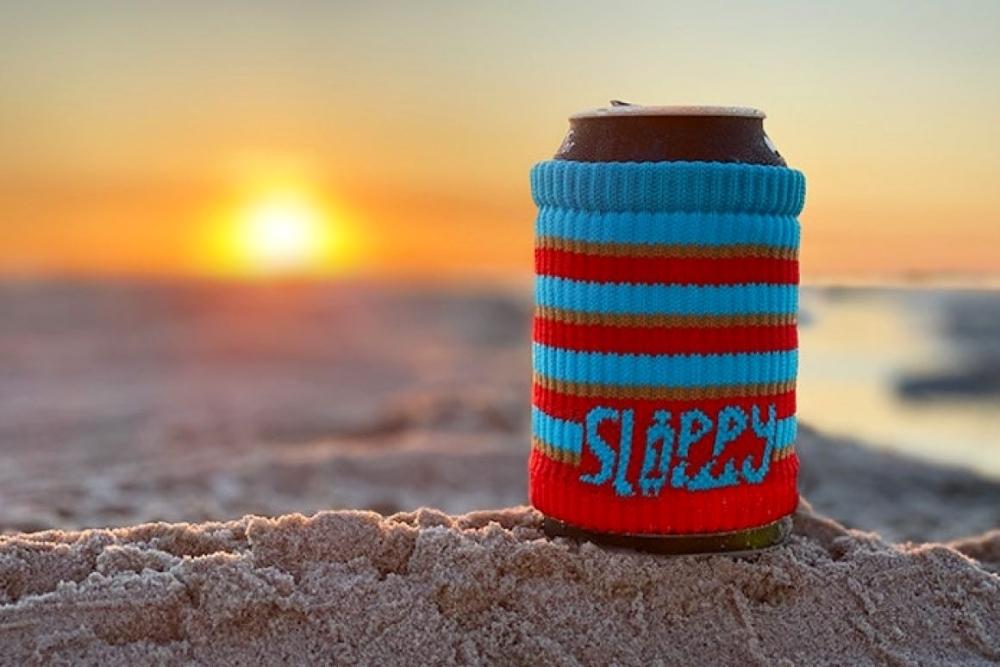 可重复使用的杯套 有助于减少海洋塑料垃圾