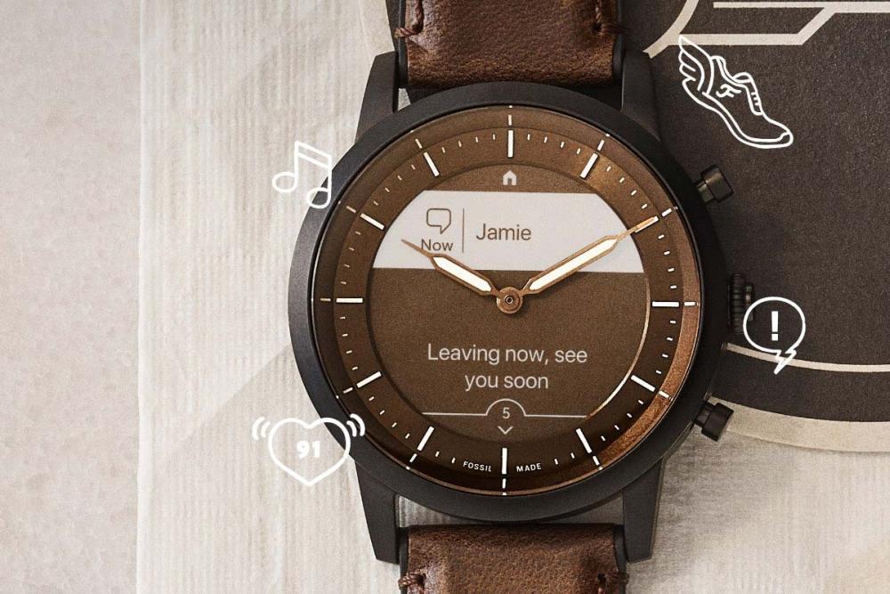 新型智能手表:物理表针遇上常显屏幕