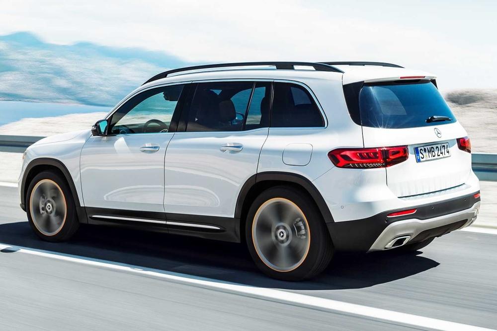 奔驰GLB紧凑型SUV上市 成家族最便宜7座SUV