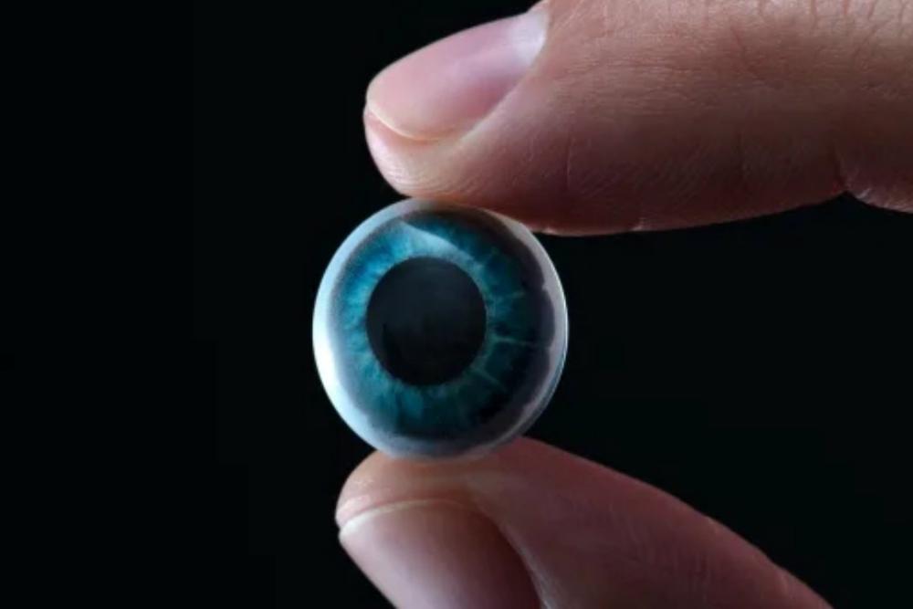 当AR遇上隐形眼镜 是时候赋予你的眼睛超能力了