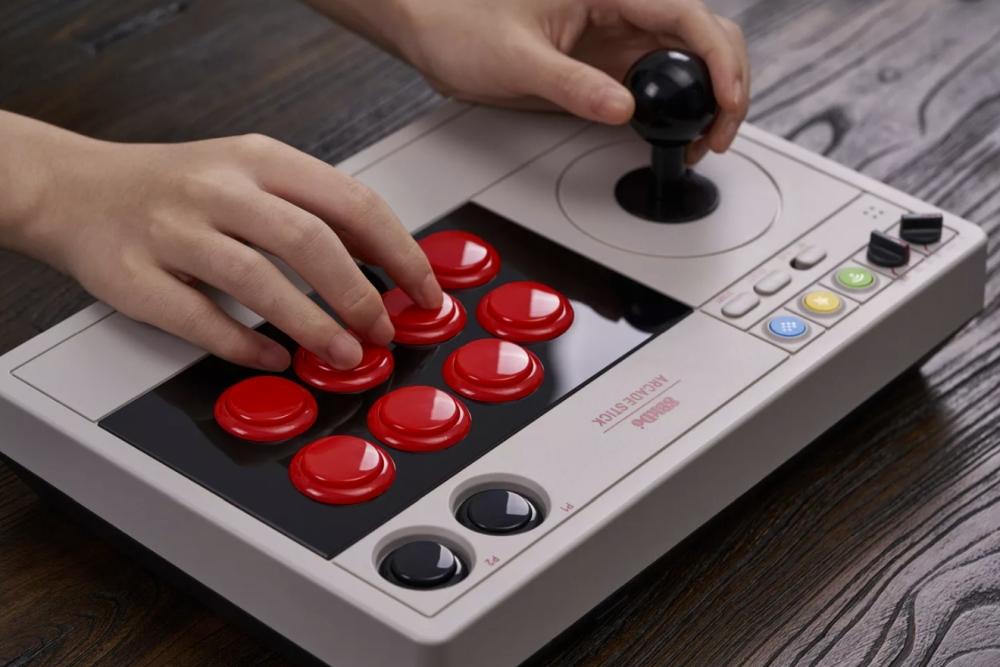 无线街机摇杆发布 支持任天堂Switch和PC