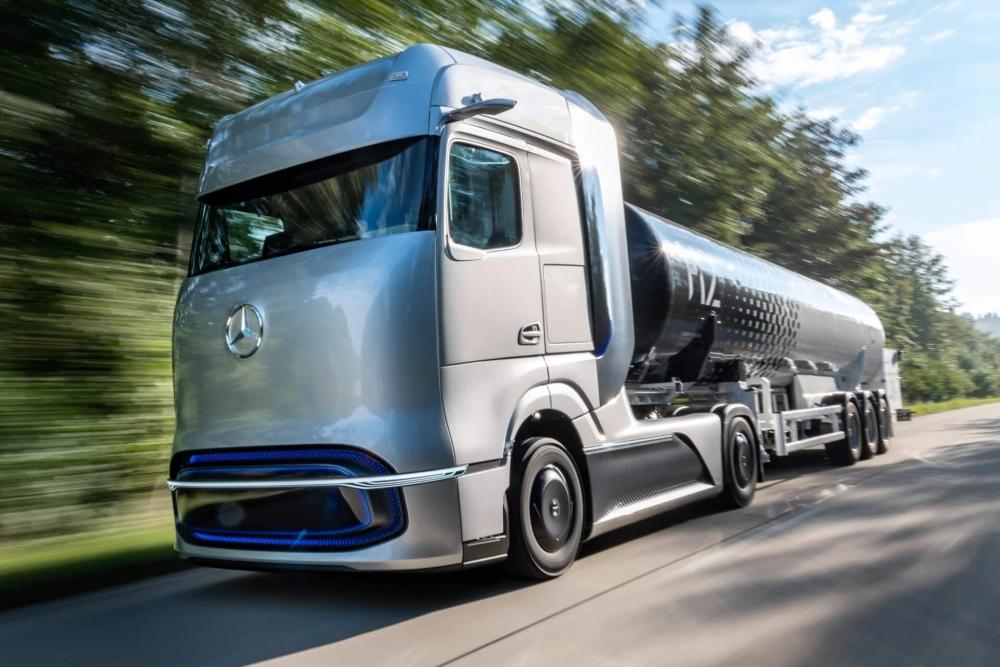 奔驰氢燃料电池概念车发布:续航可达1000公里