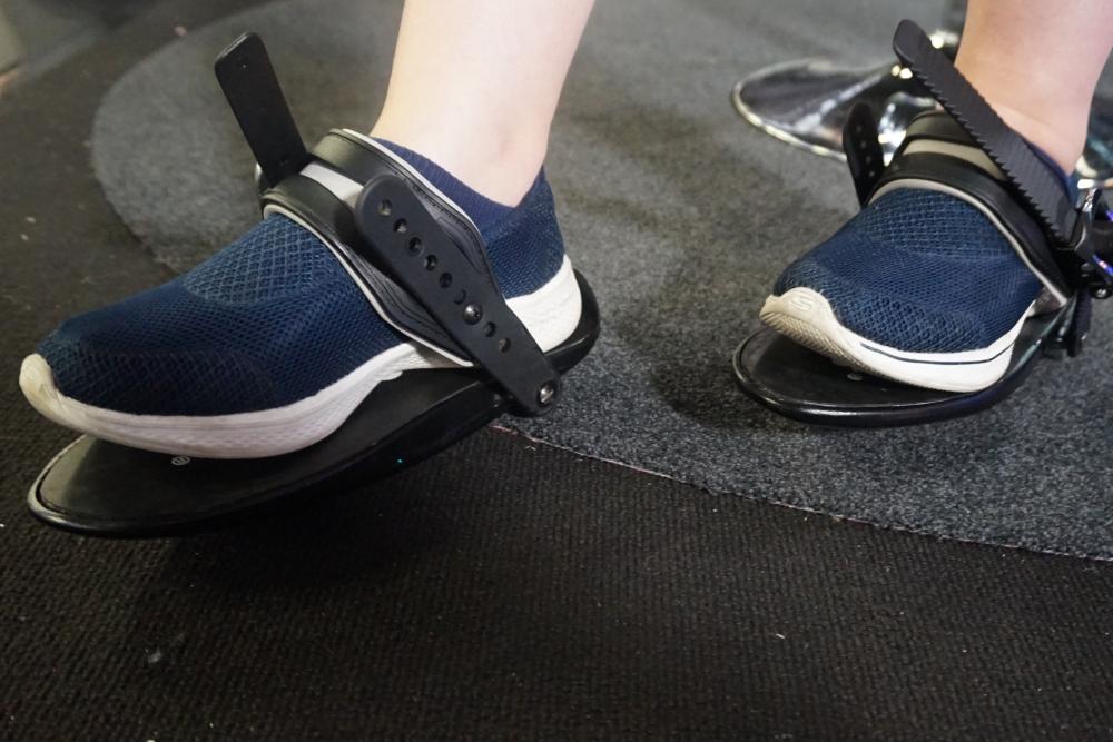這款電子鞋或許能解決VR世界的行走問題