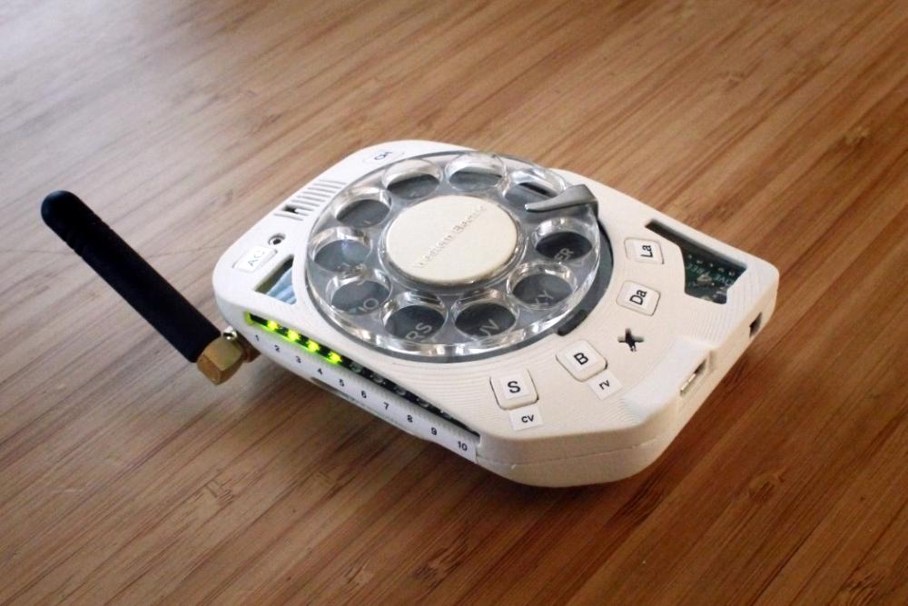 拨号盘功能机DIY组装套件已经开售 据说通话效果不错