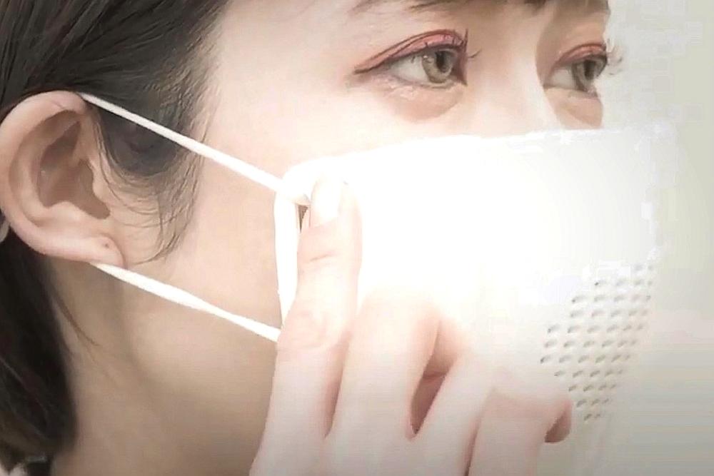 日本一公司开发出一款智能口罩 能语音转文字并翻译