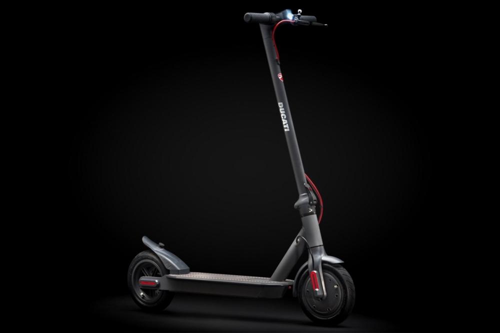 杜卡迪发布电动滑板车:350W电动机 售399欧元
