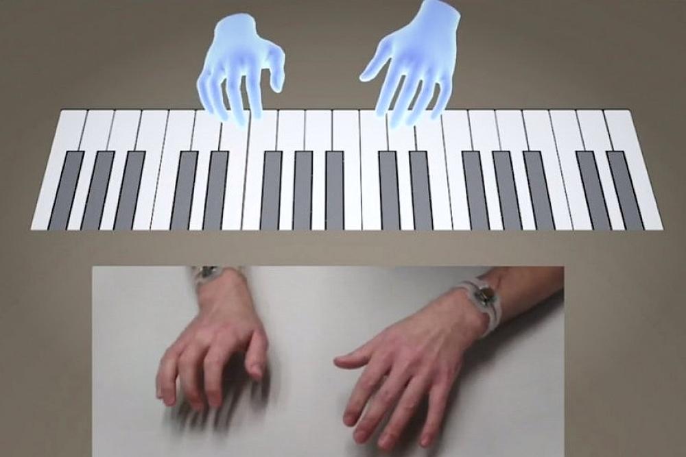 全新生活体验:通过VR腕带弹奏虚拟钢琴!