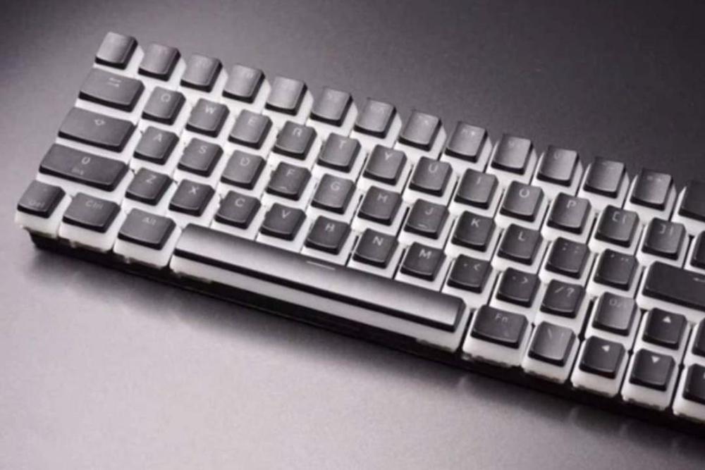 国外厂商推出新型键盘:和弦方式多键输入 每分钟250词
