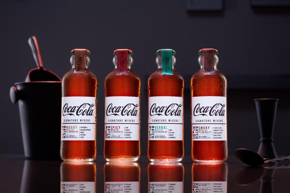 可口可乐推出酒味可乐 用100多年前的瓶子装它